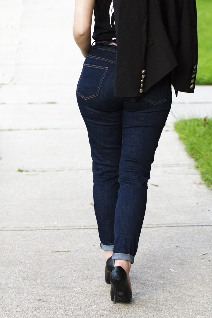 Joy Curves Jeans